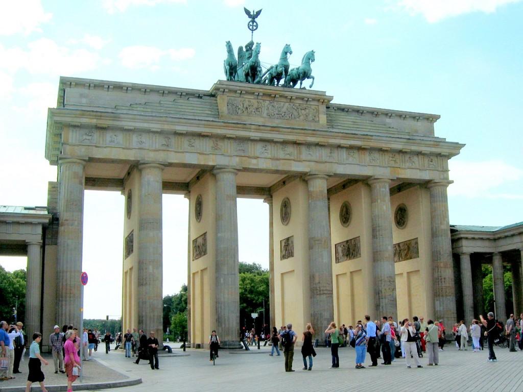 Бранденбургската врата гледана от изток - 2009 година