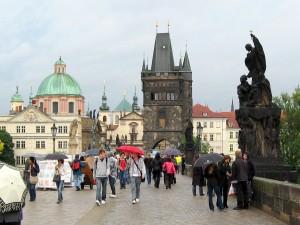 Прага, Лявата кула на Карловия мост