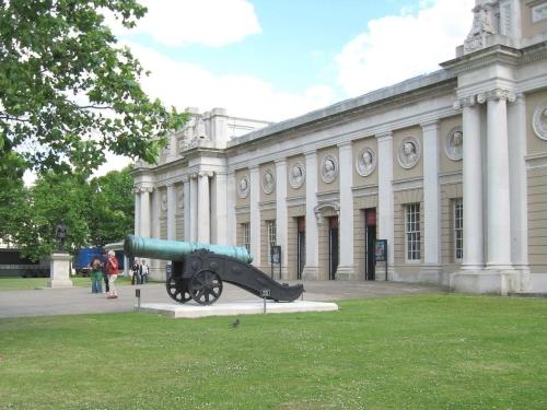 Морския музей на Лондон и паметника на Уилям IV