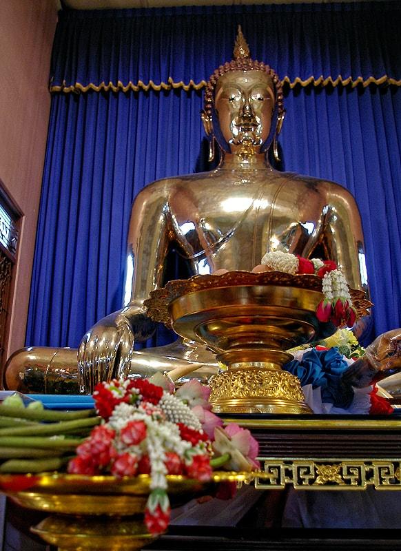 5-тонният златен Буда