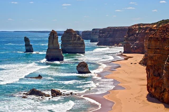 12-apostles-australia-min