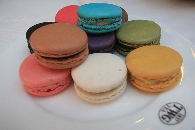 macarons-458858_640