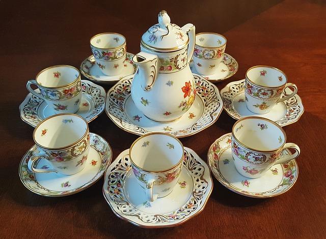 tea-set-1302432_640